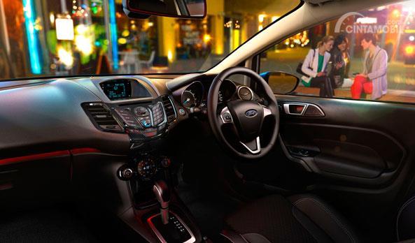 Setir Ford Fiesta EcoBoost 2014 dibalut mewah dengan bahan kulit berkualitas