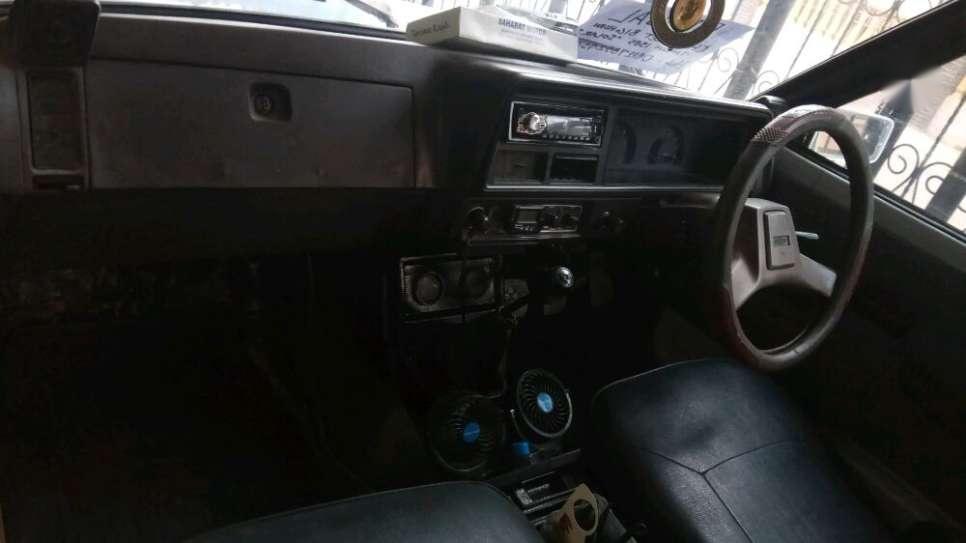 Chevrolet Camaro Putih Mobil Bekas Waa2