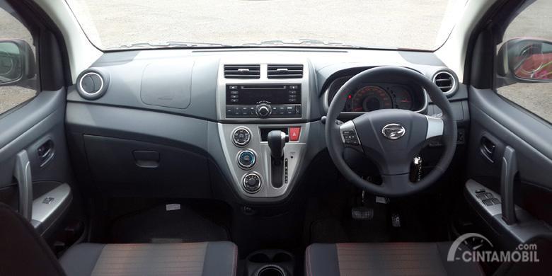 Dashboard Daihatsu Sirion 2015 dilengkapi berbagai fitur menghibur