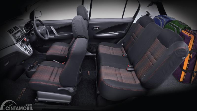 Kursi Daihatsu Sirion 2015 terbilang cukup lega untuk lima orang