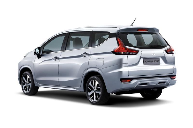Tampak tampialn belakang Mitsubishi Xpander Exceed M/T