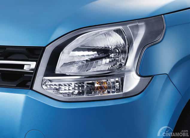 Lampu utama Suzuki Wagon R 2019 terlihat agresif dan menawan