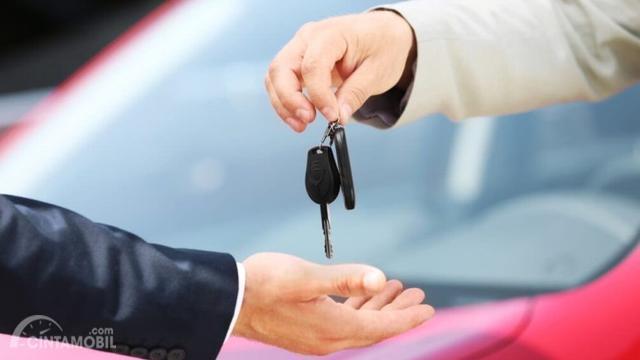 Harga Sama, Beli Mobil Bekas Atau Mobil Baru?
