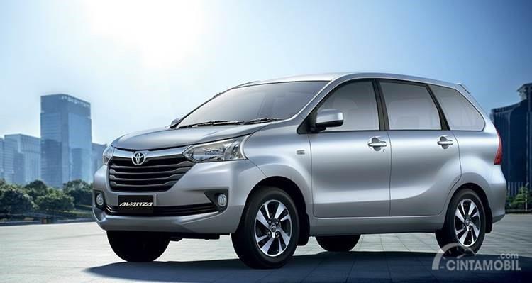 Toyota Avanza berusia muda menjadi pilihan menarik dengan harga serupa