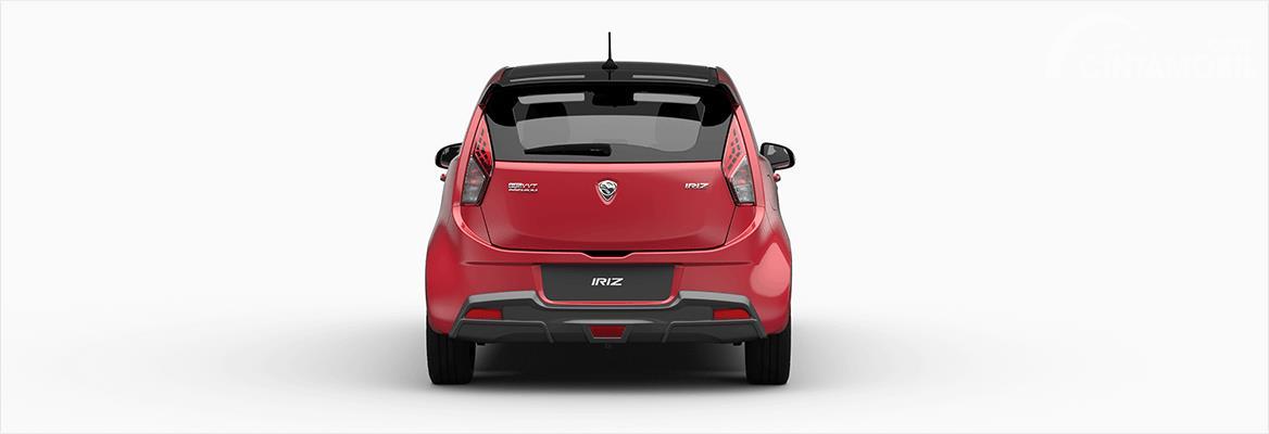 Gambar mobil Proton Iriz 2017 berwarna merah dilihat dari sisi belakang