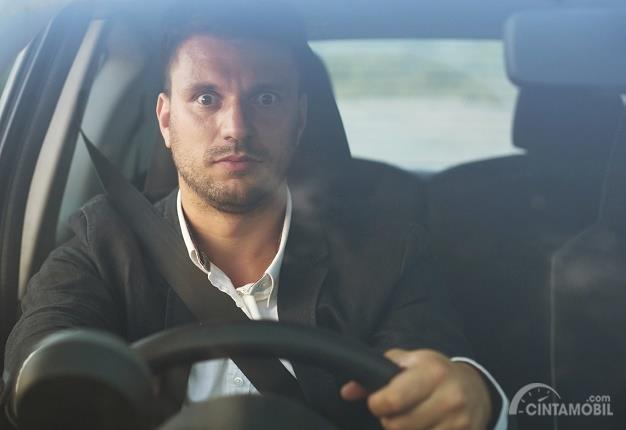 Panik Berkendara menjadi salah satu sebab terjadinya potensi kecelakaan