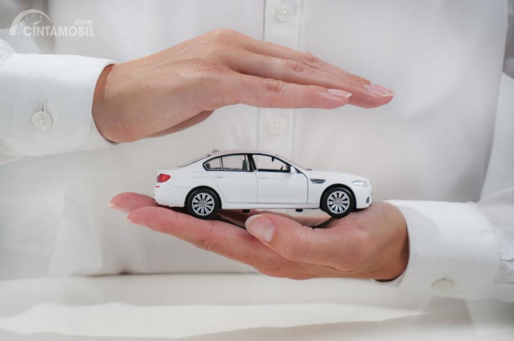 Anda tetap bisa mengasuransikan mobil bekas Anda dengan mendaftar baru