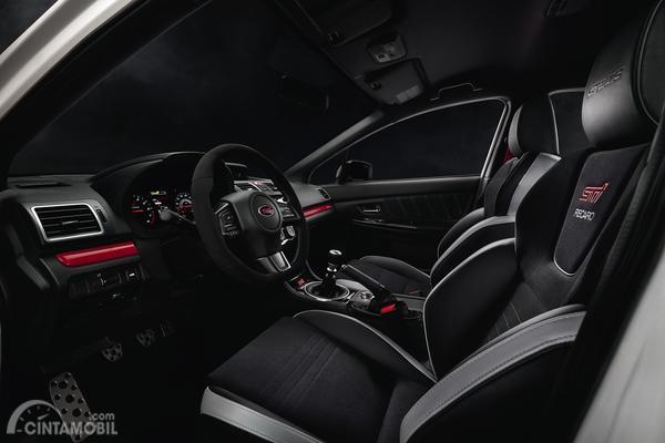 Tampak dashboard dan setir Subaru WRX STI S209 2019