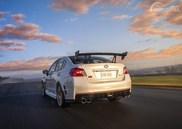 tampak belakang Subaru WRX STI S209 2019