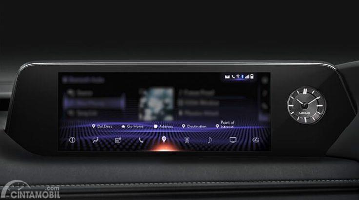 Interior Lexus UX 200 menawarkan hal menawan dan fitur mumpuni