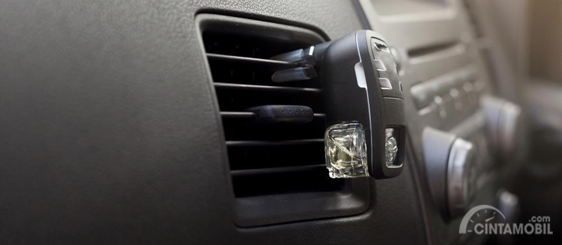 Parfum mobil mampu memunjang atmosfer interior yang romantis