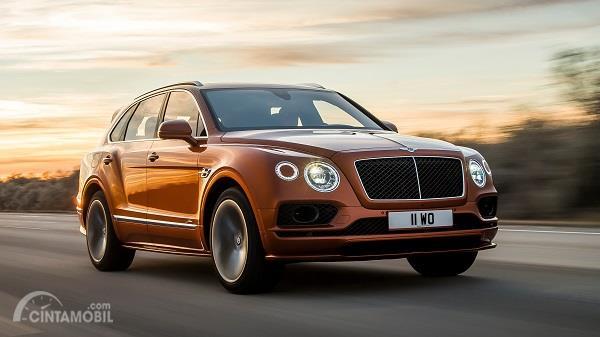 Bentley Bentayga Speed berwarna cokelat