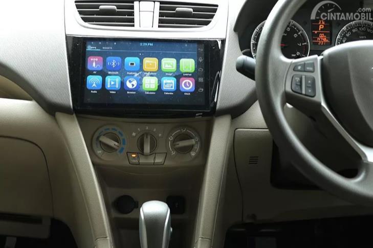 sistem infotainment Suzuki Ertiga Dreza 2016 dari layar 9 inci