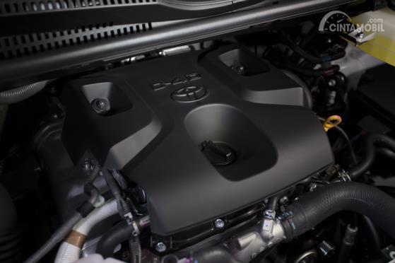 Operasi mesin Toyota Hiace 2019 menawarkan kapasitas silinder 2.8 Liter