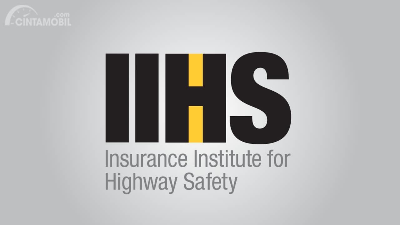 IIHS memiliki struktur kerja yang lebih banyak dibanding NHTSA