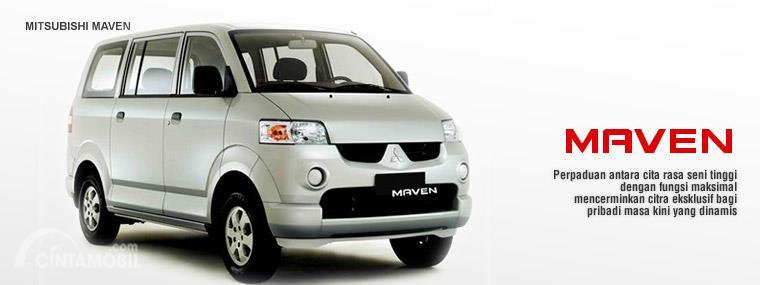 Gambar menunjukkan Tampak tagline Mitsubishi Maven 2005