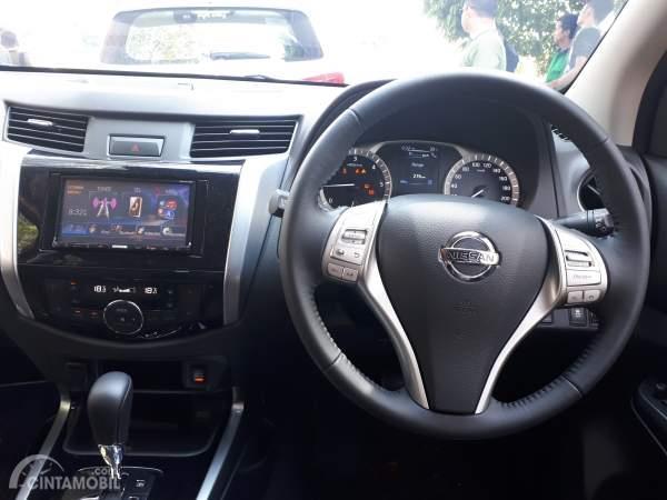 Foto interior mobil Nissan Terra 4x4 VL 2019