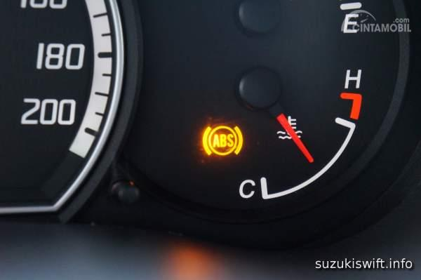 Foto indikator ABS warning light pada dasbor