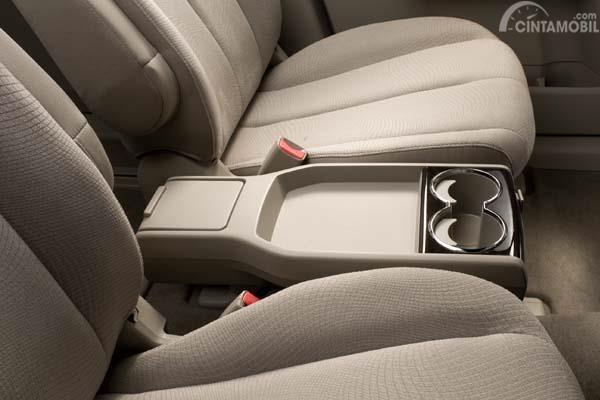 Periksa kondisi interior menginat mobil keluarga banyak aktivitas dilakukan sepanjang perjalanan