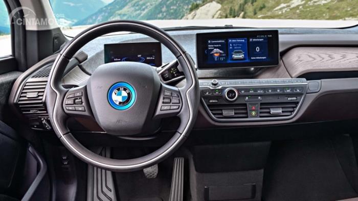 Gambar menunjukkan desain bagian Setir mobil BMW i3 2019
