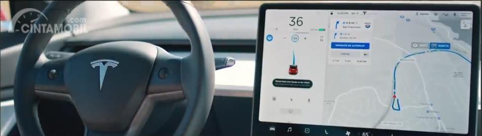kemudi Tesla Model Y 2019 berwarna hitam
