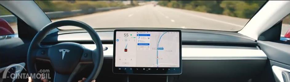 dasbor Tesla Model Y 2019 berwarna hitam