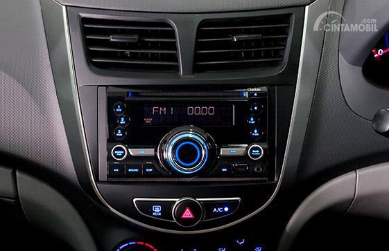 Fitur Hiburan Hyundai Grand Avega 2011 menyediakan fitur penyejuk