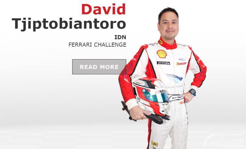 Gambar menunjukkan David Tjiptobiantoro, pebalap GT Ferrari dari T2 Motorsports