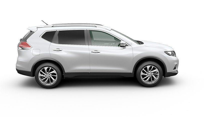 Tampilan samping mobil Nissan X-Trail Hybrid 2015 berwarna putih