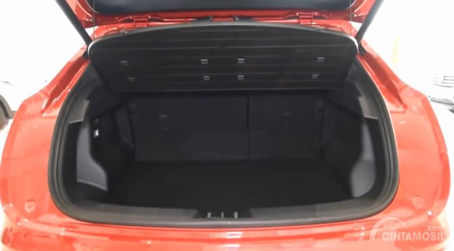 bagasi DFSK iX5 2018 berwarna hitam
