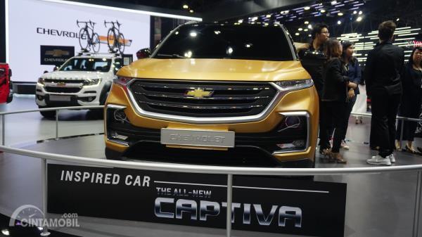 Gambar menunjukkan bagian depan All New Chevrolet Captiva 2019
