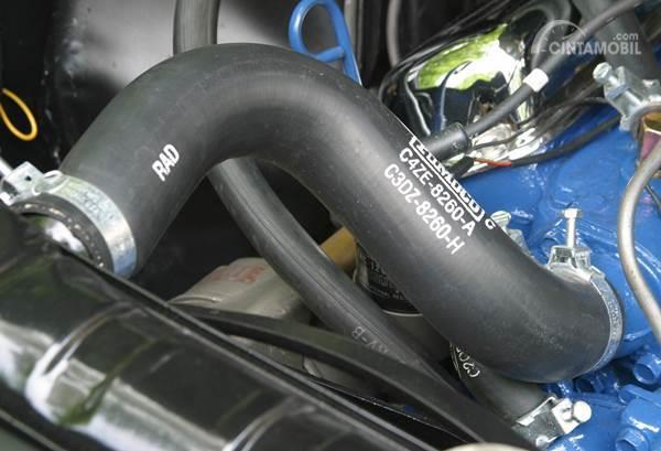 2004 Nissan Titan Radiator