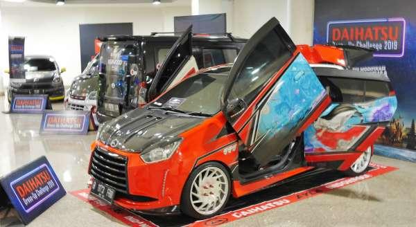 68 Koleksi Modifikasi Mobil Calya Warna Merah Gratis Terbaru