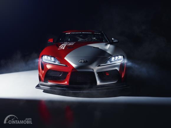 Review Toyota GR Supra GT4 Concept 2019 : Gambar menunjukkan bagian depan Toyota GR Supra GT4 Concept 2019
