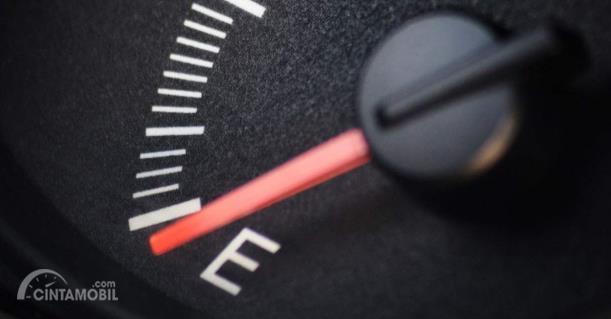Indikator bahan bakar habis