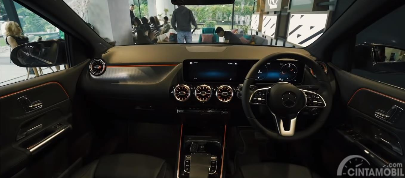 Interior Dashboard dan Setir Mercedes-Benz B 200 Progressive Line 2019