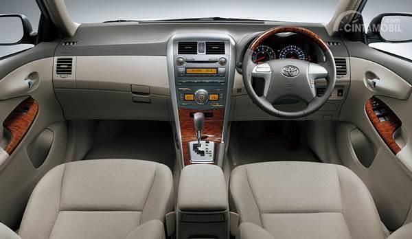 interior Toyota Corolla Altis 2008
