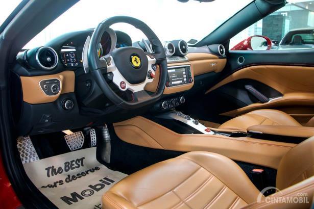 Interior mobil Ferrari