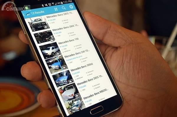 cari info tentang mobil di Internet