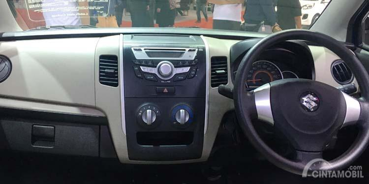 Gambar menunjukkan layout dashboard Suzuki Karimun Wagon R improvement 2017