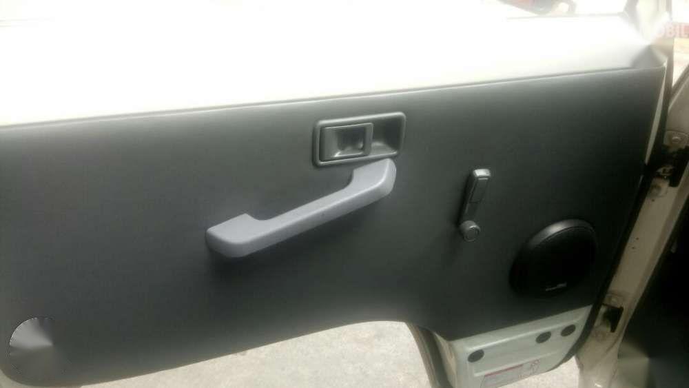 Tampak Panel pintu Mitsubishi L300 Filipina Version 2018