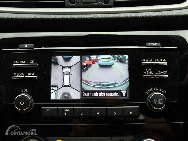 Gambar menunjukkan fitur Camera 360 Bird View Nissan X-Trail 2.0 M/T 2014