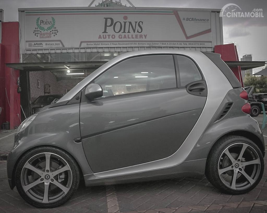 Gambar Eksterior Samping Smart ForTwo Passion Coupé 2011