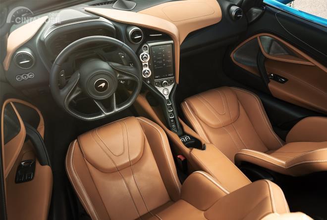 Gambar menunjukkan desain Interior McLaren 720s Spider 2019 dengan balutan kulit