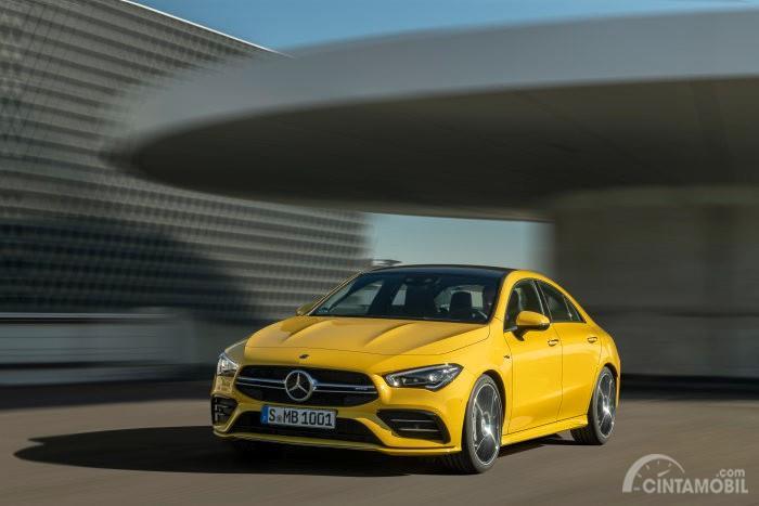 desain menawan Mercedes-AMG CLA 35 2019 berwarna kuning