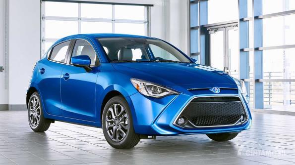 Toyota Yaris Hatchback 2019 warna biru
