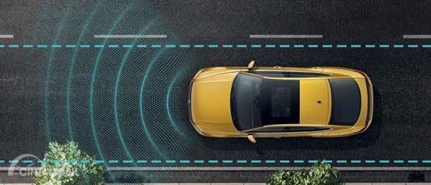 Fitur keselamatan Volkswagen Arteon 2019 hadirkan Lane Assist dengan fungsi menjaga laju kendaraan supaya tetap berada di marka jalan