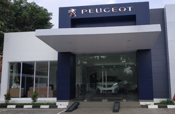 Foto diler Astra Peugeot Solo