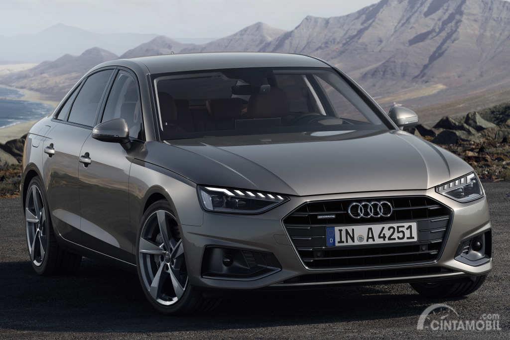 Gambar menunjukkan sebuah mobil Audi A4 2019 dengan ubahan minim