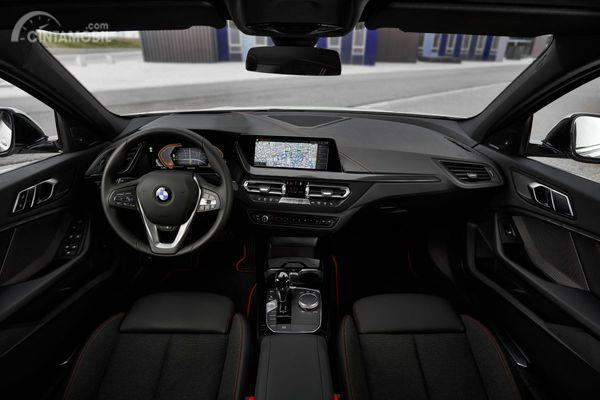 Foto interior All New BMW 118i Sport Line F40 2020